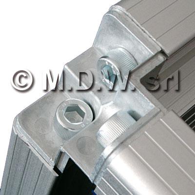 giunto angolare a tre vie in alluminio